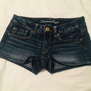 American Eagle Shorty Shorts - Stretchy Dark Wash